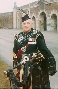Donald MacLeod  em